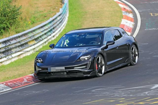 Porsche Taycan sedan bán quá chạy, phiên bản Cross Turismo sắp ra mắt gặp rắc rối - Ảnh 1.