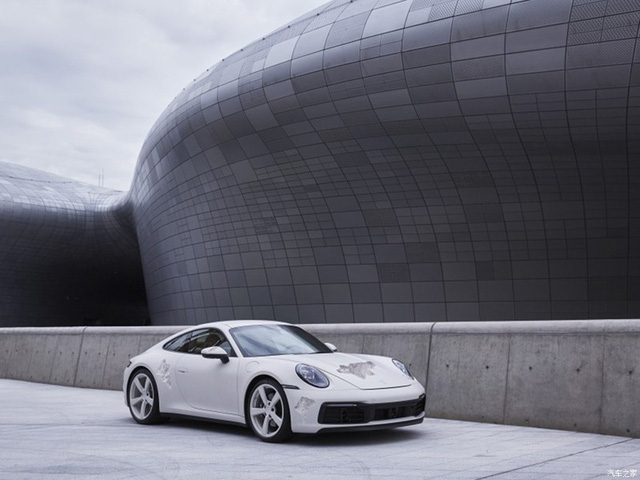Cận cảnh Porsche 911 Carrera 4S độc nhất thế giới - Ảnh 8.