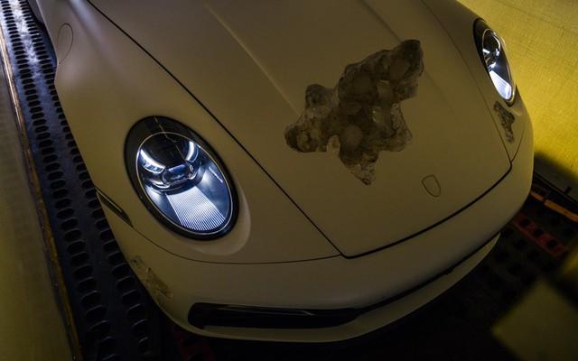 Cận cảnh Porsche 911 Carrera 4S độc nhất thế giới - Ảnh 9.