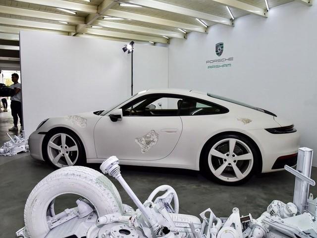 Cận cảnh Porsche 911 Carrera 4S độc nhất thế giới - Ảnh 12.