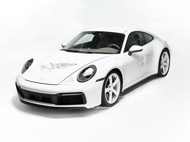 Cận cảnh Porsche 911 Carrera 4S độc nhất thế giới - Ảnh 1.