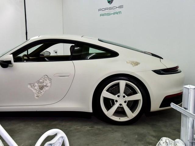 Cận cảnh Porsche 911 Carrera 4S độc nhất thế giới - Ảnh 15.