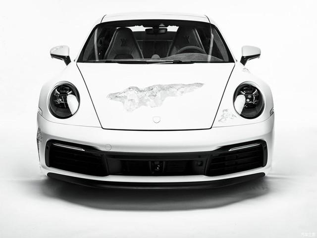 Cận cảnh Porsche 911 Carrera 4S độc nhất thế giới - Ảnh 2.