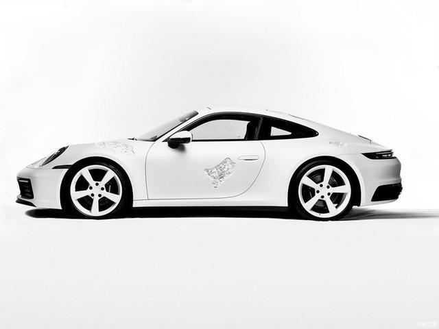 Cận cảnh Porsche 911 Carrera 4S độc nhất thế giới - Ảnh 3.