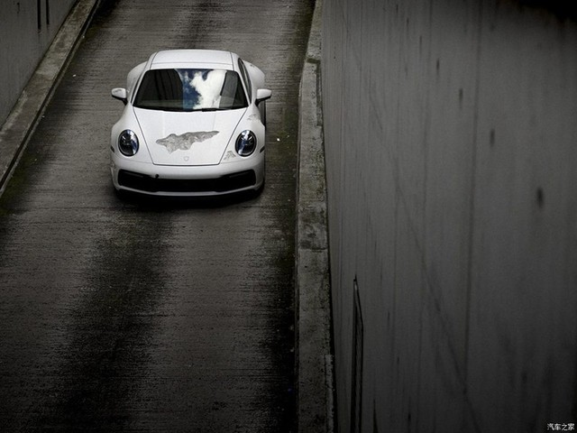 Cận cảnh Porsche 911 Carrera 4S độc nhất thế giới - Ảnh 5.