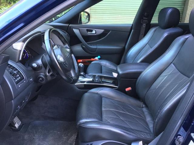 Mới chạy 30.000km, xe sang Nhật Infiniti QX70 được bán lại với giá rẻ ngang Mercedes GLC 200 - Ảnh 4.
