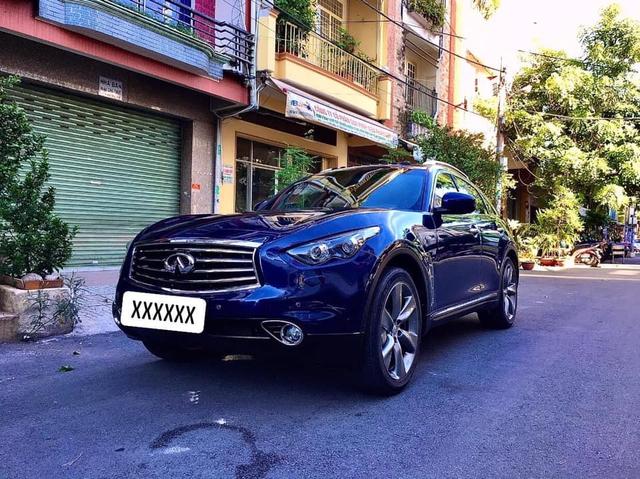 Mới chạy 30.000km, xe sang Nhật Infiniti QX70 được bán lại với giá rẻ ngang Mercedes GLC 200 - Ảnh 1.