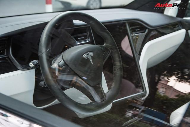 Hàng hiếm Tesla Model X gặp nạn tại Nha Trang, có một chi tiết được cư dân mạng hết lời khen ngợi - Ảnh 4.
