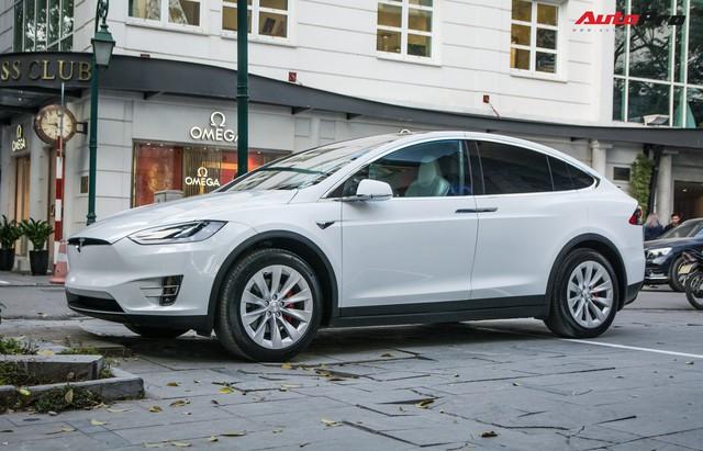 Hàng hiếm Tesla Model X gặp nạn tại Nha Trang, có một chi tiết được cư dân mạng hết lời khen ngợi - Ảnh 3.