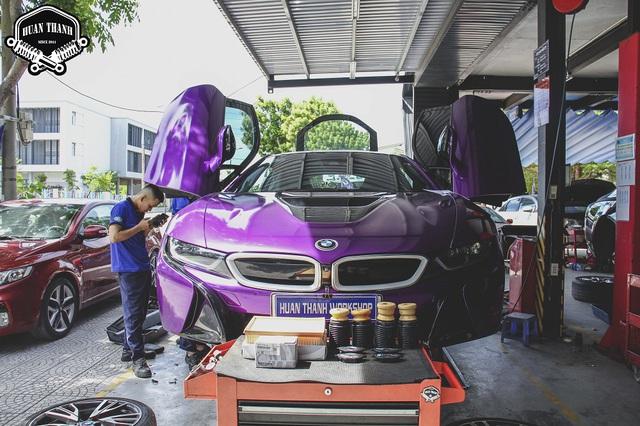 Cận cảnh thợ độ Đà Nẵng lắp ráp bodykit chất chơi giá hàng trăm triệu cho BMW i8 - Ảnh 5.