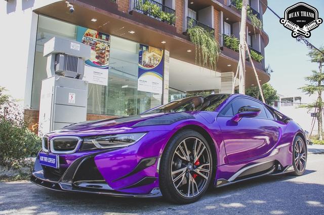 Cận cảnh thợ độ Đà Nẵng lắp ráp bodykit chất chơi giá hàng trăm triệu cho BMW i8 - Ảnh 1.