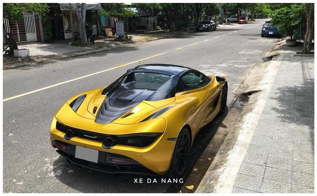 Siêu xe McLaren 720S Spider màu vàng đồng lăn bánh trên đường phố Đà Nẵng - Ảnh 9.