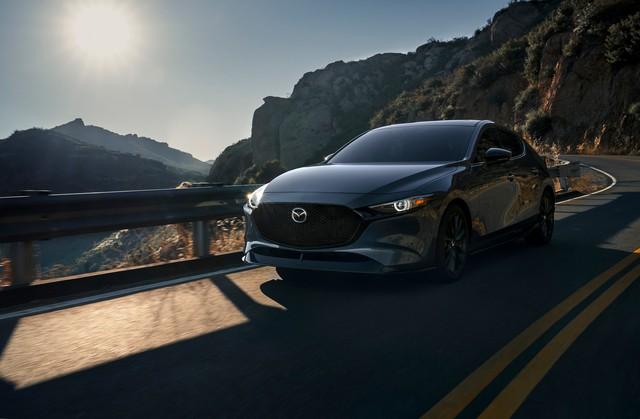 Mazda3 Turbo lần đầu tiên được công bố giá bán, chờ ngày về Việt Nam - Ảnh 1.