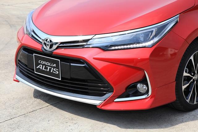 Toyota Corolla Altis nâng cấp tại Việt Nam: Chưa phải bản 2020, giá rẻ hơn, thêm trang bị đấu Mazda3 - Ảnh 2.