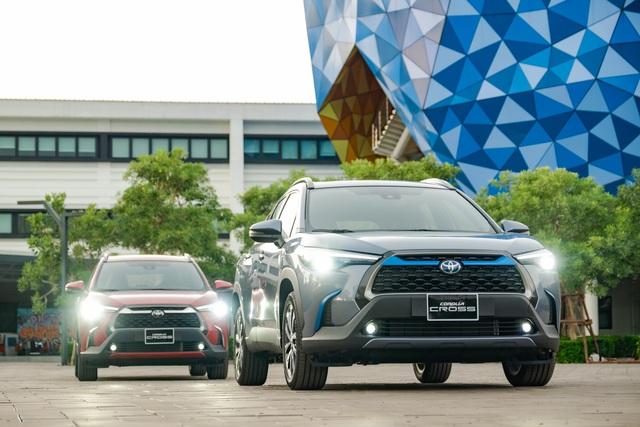 Toyota Corolla Cross đắt hay rẻ: Đây là khác biệt giữa 3 bản chênh nhau 200 triệu đồng - Ảnh 1.