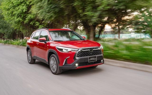 Nhập khẩu nguyên chiếc, Toyota Corolla Cross có bị cắt option như truyền thống? - Ảnh 2.