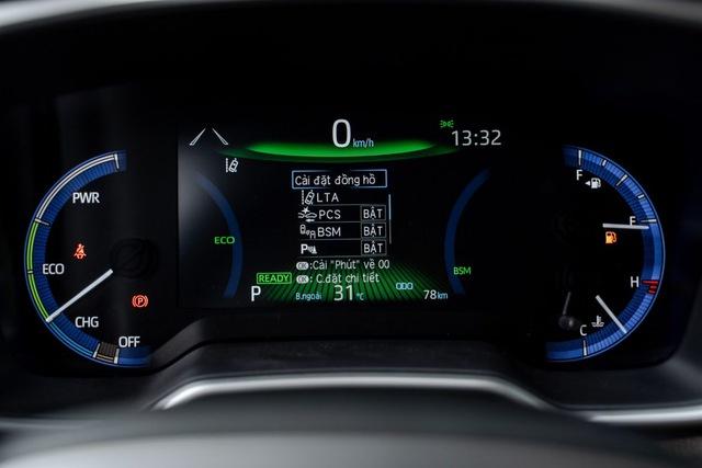 Toyota Corolla Cross ra mắt Việt Nam: Giá từ 720 triệu đồng, đua 'top' công nghệ phân khúc - Ảnh 7.