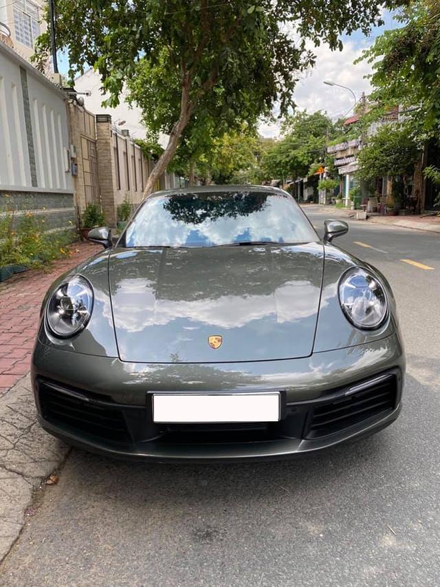 Hàng hiếm Porsche 911 2019 siêu lướt bán lại giá 8,8 tỷ đồng, ODO chỉ 2.000km - Ảnh 1.