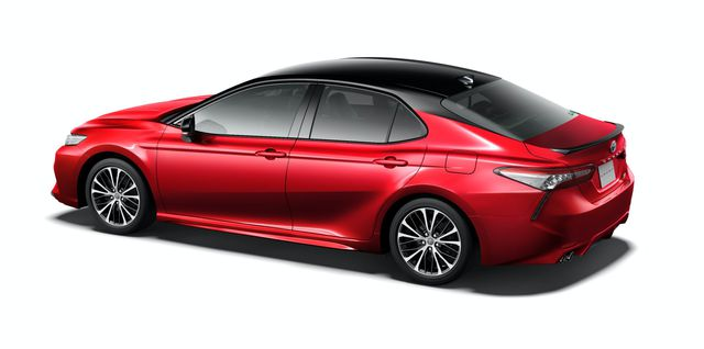 Toyota Camry Black Edition - Quà sinh nhật 40 tuổi đen toàn tập  - Ảnh 2.