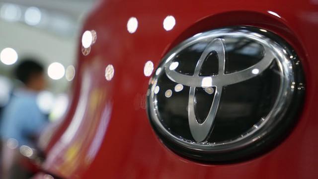 Lợi nhuận Toyota giảm 98% do dịch COVID-19 - Ảnh 1.
