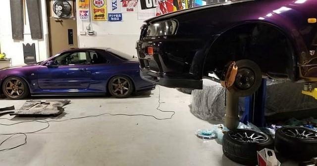 Khám phá nhà kho chất đống Toyota Supra, BMW M3 của trùm buôn ma túy - Ảnh 4.
