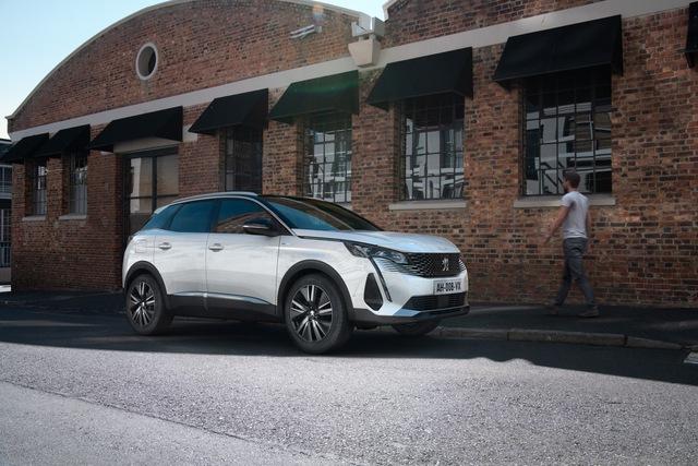 Peugeot 3008 facelift chính thức chào sân, gia tăng sức ép lên Mazda CX-5 và Hyundai Tucson - Ảnh 1.
