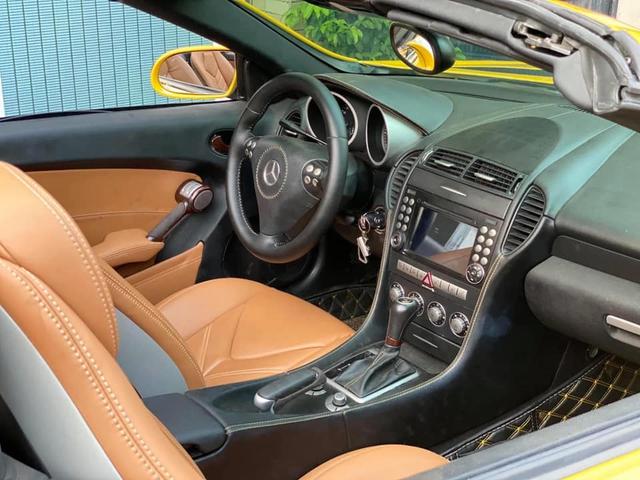 Mercedes-Benz SLK đình đám một thời nay rẻ như Kia Cerato dù chỉ chạy 5.000km mỗi năm - Ảnh 3.