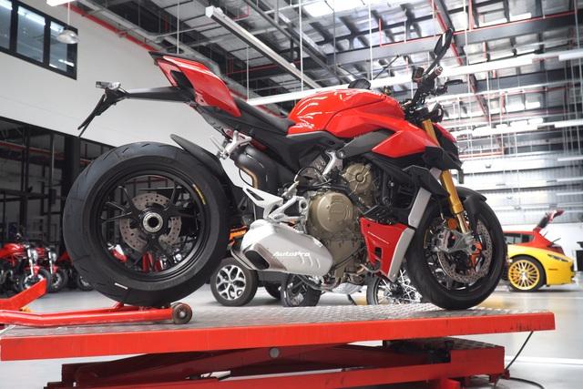 Lộ diện Ducati Streetfighter V4 chính hãng trước ngày ra mắt tại Việt Nam, giá từ 650 triệu đồng - Ảnh 4.