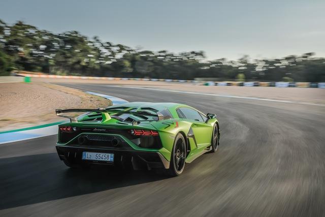 Lamborghini Aventador bán được 10.000 chiếc trong 1 thập kỷ, đại gia Việt góp công 20 xe  - Ảnh 3.