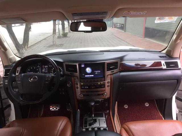 Sau 6 năm, Lexus LX 570 xuống giá ngang VinFast President mua mới - Ảnh 3.