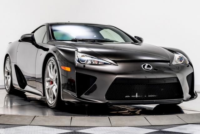 Cận cảnh chiếc Lexus LFA màu nâu độc nhất vô nhị - Ảnh 1.