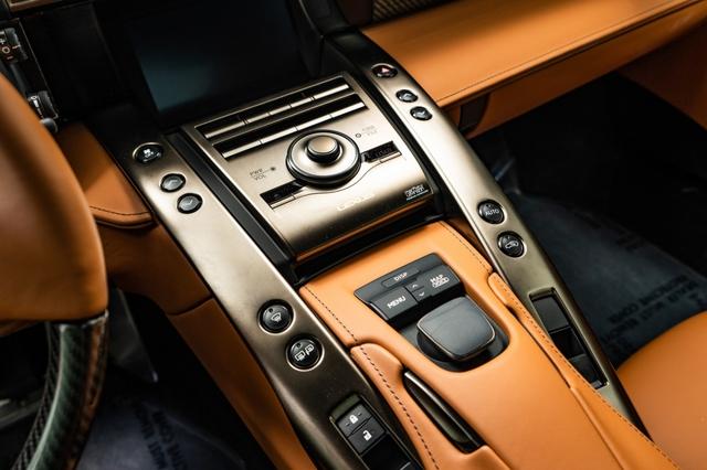 Cận cảnh chiếc Lexus LFA màu nâu độc nhất vô nhị - Ảnh 12.