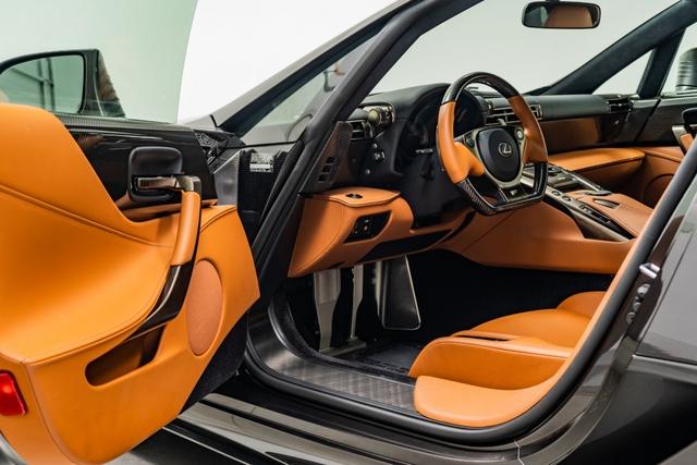 Cận cảnh chiếc Lexus LFA màu nâu độc nhất vô nhị - Ảnh 14.