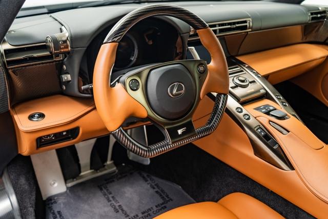 Cận cảnh chiếc Lexus LFA màu nâu độc nhất vô nhị - Ảnh 9.