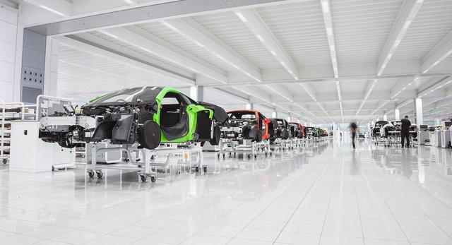 Gặp khó khăn tài chính, McLaren rao bán cả tổng hành dinh - Ảnh 1.