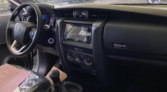 Toyota Fortuner 2021 bất ngờ đổ bộ đại lý trước ngày ra mắt: Bom tấn cho khách Việt sau Kia Sorento - Ảnh 4.