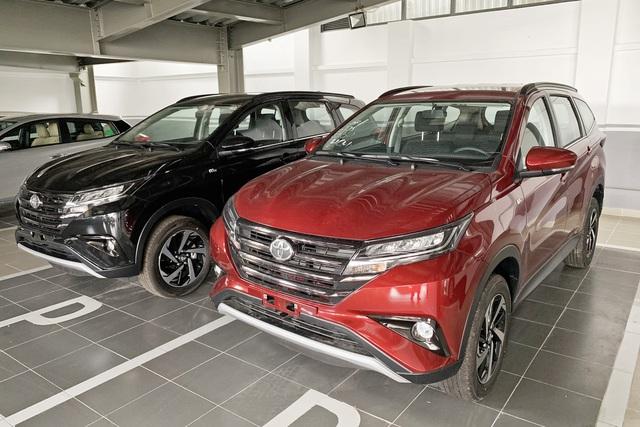 Toyota Rush bất ngờ giảm 35 triệu, còn 633 triệu đồng, đáp trả Mitsubishi Xpander - Ảnh 1.