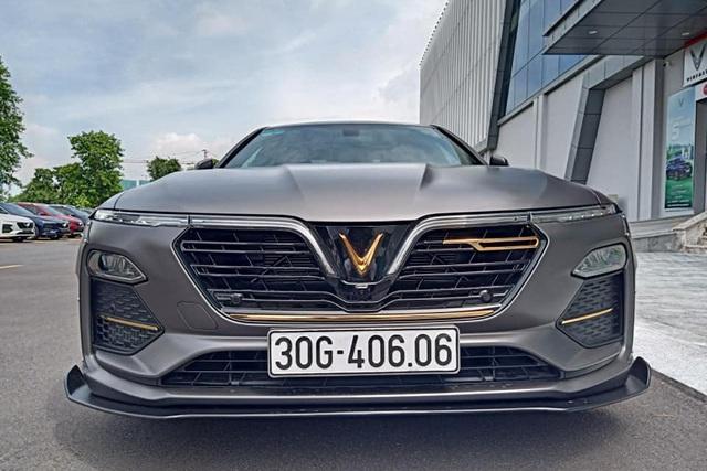 VinFast Lux A2.0 đầu tiên tại Việt Nam độ thân rộng, hạ gầm như siêu xe - Ảnh 9.
