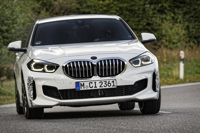 BMW sắp ra mắt xe nhỏ cạnh tranh Honda Civic, đánh thẳng vào phân khúc phổ thông - Ảnh 1.