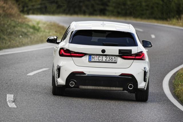 BMW sắp ra mắt xe nhỏ cạnh tranh Honda Civic, đánh thẳng vào phân khúc phổ thông - Ảnh 3.