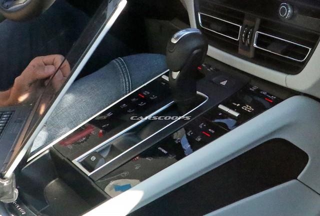 Porsche Macan 2021 lần đầu lộ nội thất: Nhiều chi tiết giống Cayenne và Panamera - Ảnh 4.