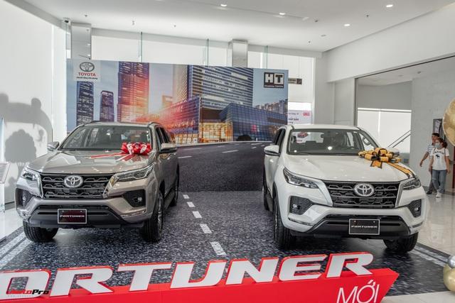 Toyota Fortuner 2021 đắt hay rẻ: Đây là khác biệt giữa 7 phiên bản với mức chênh lên tới 431 triệu đồng - Ảnh 3.
