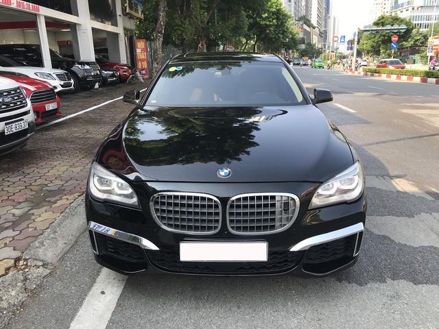 Qua thời đỉnh cao, BMW 750Li có giá rẻ hơn cả VinFast Lux A2.0: Thông số ODO gây chú ý - Ảnh 1.