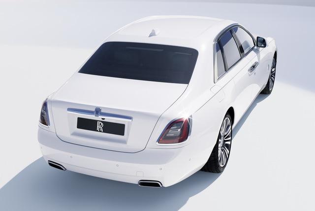 Rolls-Royce Ghost thế hệ mới trình làng: Bóng ma với thiết kế mặt cười ma mị, phá cách hẳn so với Phantom - Ảnh 3.