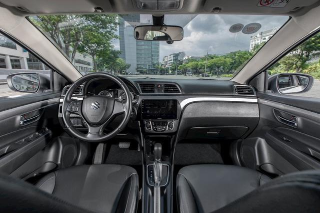 Những mẫu xe vừa ra mắt đã có doanh số xịt tại Việt Nam năm 2020 - Ảnh 6.