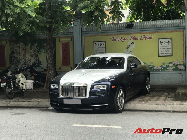 Sau tai nạn nát đầu, Rolls-Royce Wraith cực độc tại Hà Nội giờ ra sao? - Ảnh 1.