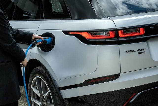 Range Rover Velar nâng cấp công nghệ: Máy mạnh nhưng tiết kiệm xăng, chạy phố Việt Nam hết sảy nhờ một tính năng - Ảnh 3.
