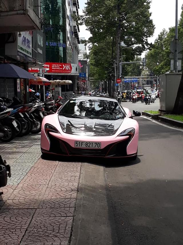 Bắt trend, chồng Diệp Lâm Anh đổi màu McLaren 650S Spider chiều theo ý vợ