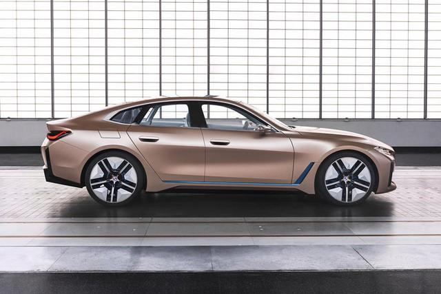 BMW xác nhận ra mắt i4 M năm sau, đe dọa vị thế của xe M động cơ xăng truyền thống - Ảnh 1.