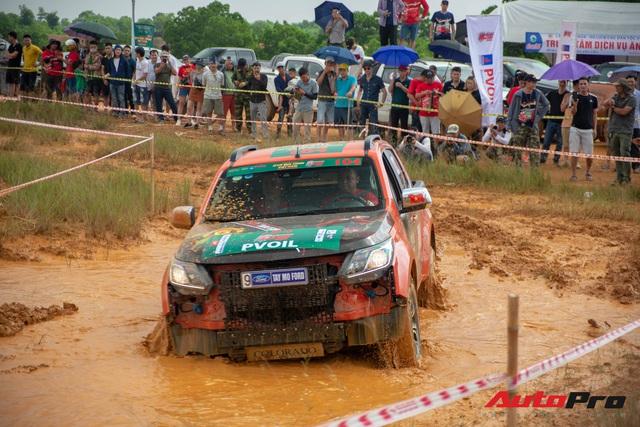 Xem 160 tay đua thi 600 bài off-road tại chảo lửa Đồng Mô, Hà Nội - Ảnh 2.